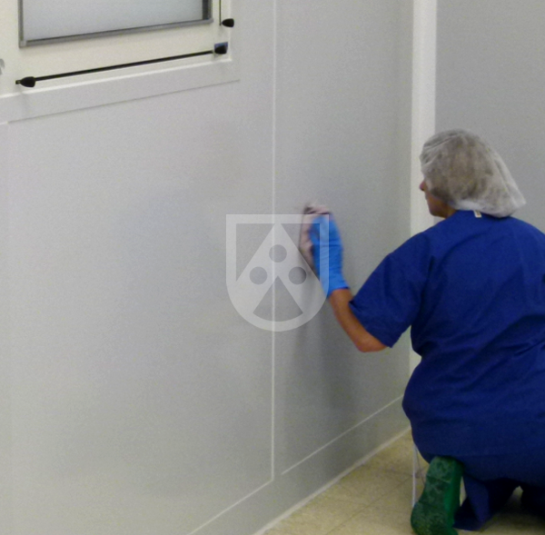 Cleaning of hygienic wall panels / hygienic wall cladding sheets in hospital TroBloc® M