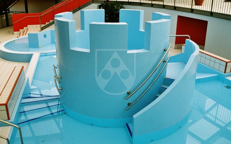 Domestic swimming pool r chling sg - Domestic swimming pools ...