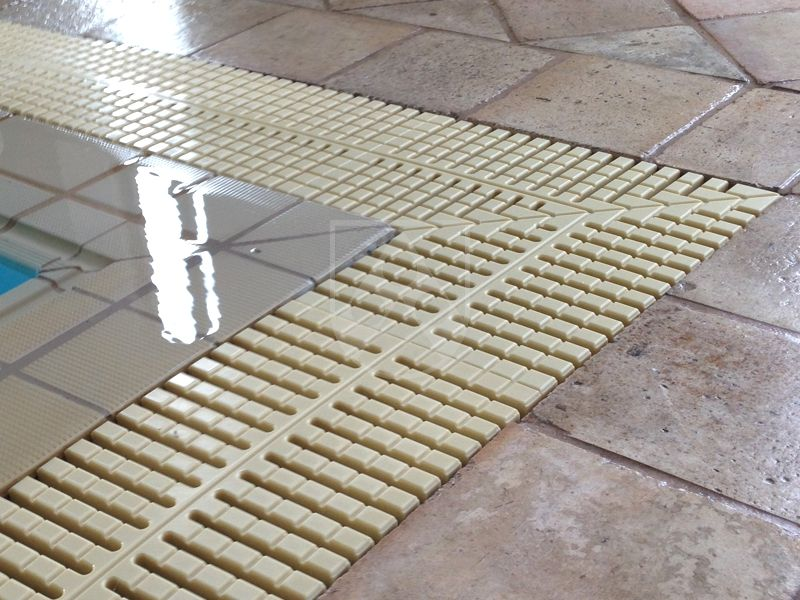 90° corner section pool grating